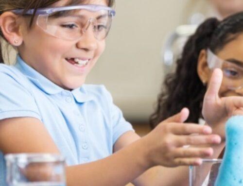 """""""Hay que acercar el mundo científico a los colegios para atraer a las niñas hacia carreras STEM"""""""